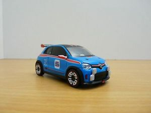 【送料無料】模型車 モデルカー スポーツカー ルノートゥインゴコンセプトツインrenault twingo concept twin run 143
