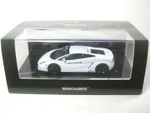 【送料無料】模型車 モデルカー スポーツカー ランボルギーニガヤルドランボルギーニアカデミーlamborghini gallardo lp 5604 lamborghini academy white 2008