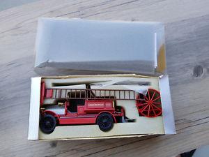 【送料無料】模型車 モデルカー スポーツカー コンラッドモデルスケールデニスロンドンconrad models 143 scale 1025 dennis london fire brigade red