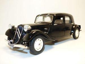 【送料無料】模型車 モデルカー スポーツカー シトロエントションcitroen traction 11cv berline noire jantes blanches 118