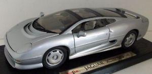 【送料無料】模型車 モデルカー スポーツカー スケールジャガーシルバーmaisto 118 scale 31807 jaguar xj220 1992 silver