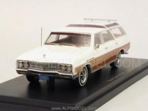 【送料無料】模型車 モデルカー スポーツカー ボスbucik sport wagon 143 bos 43361