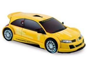 【送料無料】模型車 モデルカー スポーツカー ルノーメガーヌトロフィーバージョンサロンドパリrenault megane trophy version salon de paris 2004 norev giallo 143