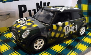 【送料無料】模型車 モデルカー スポーツカー スケールフォックスミニクーパーフォックストンパンクロンドングリーン#jadi 118 scale fox4 mini cooper foxton  punk london rebel green 006