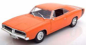 【送料無料】模型車 モデルカー スポーツカー ミニチュアオレンジv188miniature dodge charger rt orange 118 1969 maisto