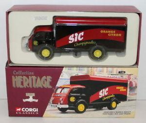 【送料無料】模型車 モデルカー スポーツカー コーギーコレクションルノーcorgi 150 collection heritage 71405 renault faineant fourgon sic