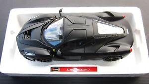 【送料無料】模型車 モデルカー スポーツカー フェラーリシグネチャーシリーズヌォーヴァferrari laferrari nera burago signature series 118 come nuova