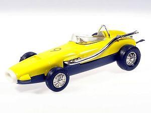 【送料無料】模型車 モデルカー スポーツカー マイクロレーサーワトソン#schuco microracer watson gelb 173