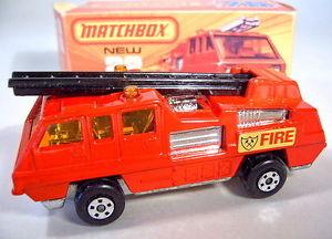 【送料無料】模型車 モデルカー スポーツカー ボックスマッチバスターmatchbox sf nr22c blaze buster rare schwarze leiter top in box