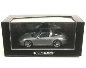 【送料無料】模型車 モデルカー スポーツカー ポルシェタルガグアテマラシルバーメタリックporsche 911 targa gt silver metallic 2013
