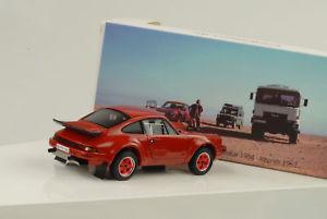 【送料無料】模型車 モデルカー スポーツカー ポルシェ×パリダカールアルジェリア1984 porsche 911 32 4x4 953 vorbereitung paris dakar algerien 143 spark museum