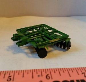 【送料無料】模型車 モデルカー スポーツカー カスタムジョンディアムーアズディスクファームツール164 ertl custom john deere moores 3pt 12 disk farm toy tillage tool