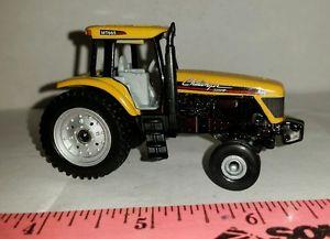 【送料無料】模型車 モデルカー スポーツカー カスタムチャレンジャートターファームニース164 ertl custom agco cat challenger mt665 tractor single rear 2wd farm toy nice