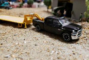 【送料無料】模型車 モデルカー スポーツカー カスタムダッジラム×トラックファームカミンズヒッチ