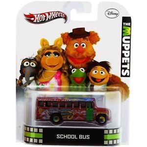 【送料無料】模型車 モデルカー スポーツカー ホットホイールスケールレトロモデルバス hot wheels 164 scale retro car models muppets school bus