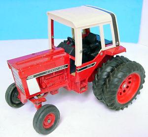 【送料無料】模型車 モデルカー スポーツカー ハーベスタートター#1970s ertl 95 international harvester ih tractor 1586
