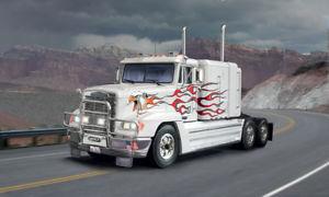 【送料無料】模型車 モデルカー スポーツカー フレートライナートラックキットitaleri 3925 124 freightliner fld 120 special camion tir kit