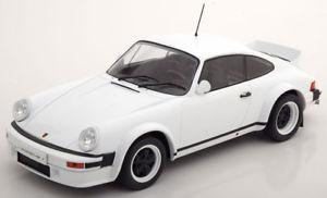 【送料無料】模型車 モデルカー スポーツカー ネットワークポルシェレースバージョンホワイト118 ixo porsche 911 race version 1982 white