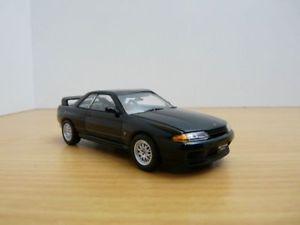 【送料無料】模型車 モデルカー スポーツカー スカイラインノワールnissan skyline gtr r32 bnr32 vspec ii noir 143 rhd