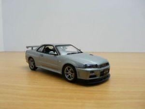 【送料無料】模型車 モデルカー スポーツカー スカイラインnissan skyline gtr gris sparkling r34 vspecii 143 rhd