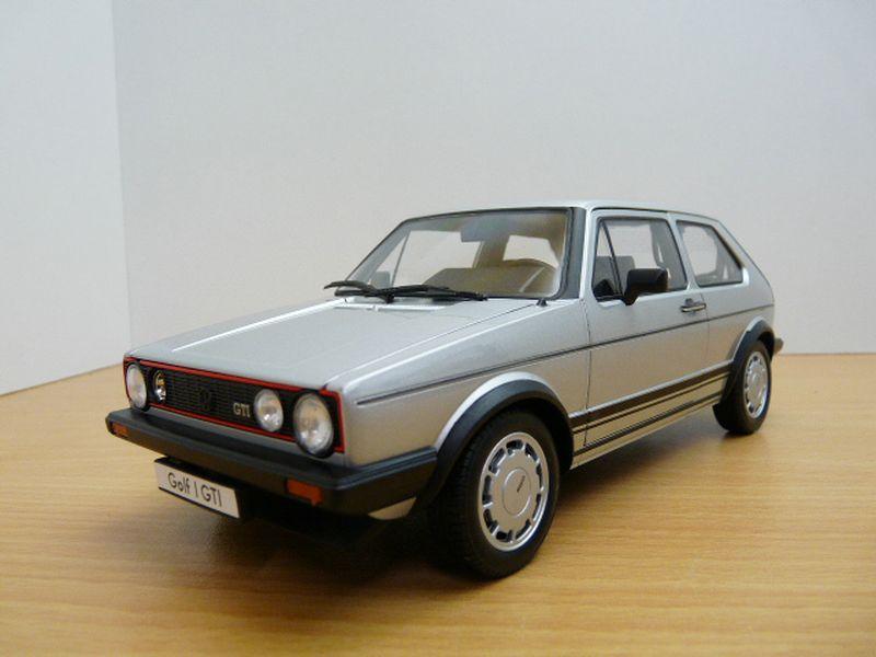 【送料無料】模型車 モデルカー スポーツカー フォルクスワーゲンゴルフピレリシリーズvolkswagen golf gti 1800 srie 1 gris 118 pirelli