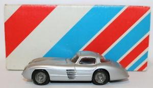 【送料無料】模型車 モデルカー スポーツカー レコードスケールモデルメルセデスレフクーペシルバーrecord 143 scale resin model mercedes 300 slr coupe silver