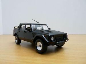 【送料無料】模型車 モデルカー スポーツカー ランボルギーニノワールlamborghini lm002 4x4 noir 143