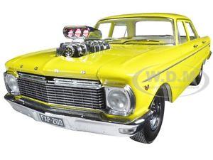 【送料無料】模型車 モデルカー スポーツカー フォードファルコンエンジンブロワファン1965 ford xp falcon yellow 50th anni w engine blower 118 by greenlight dda004