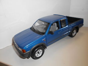 【送料無料】模型車 モデルカー スポーツカー フォードレンジャーact891 ford ranger 118