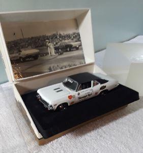 【送料無料】模型車 モデルカー スポーツカー ビルシボレーノヴァ143 gmp, 1968 bill grumpy jenkins chevrolet nova ss 396