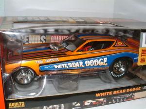 【送料無料】模型車 モデルカー スポーツカー ダッジクマダッジ118 1971 dodge funny car white bear dodge autoworld