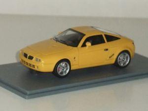 【送料無料】模型車 モデルカー スポーツカー ネオランチア143 neo 45618 lancia hyena zagato 1992 yellow