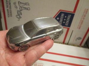 【送料無料】模型車 モデルカー スポーツカー マコンポルシェターボモデルスケールアルミporsche macon turbo model scale 143 aluminum paperweight limited edition
