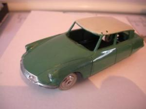 【送料無料】模型車 モデルカー スポーツカー フランスシトロエンdinky french 1960s citroen ds19 24c