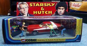 【送料無料】模型車 モデルカー スポーツカー コーギースタスキーハッチボックスcorgi toys 292 starsky and hutch in professionally made repro box amp;figures