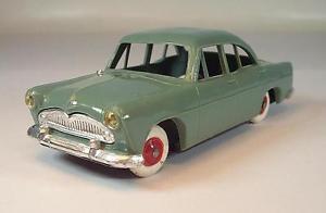 【送料無料】模型車 モデルカー スポーツカー プラスチックグリーン#norev 143 plastikblech simca trianon grn 5749
