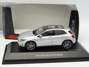 【送料無料】模型車 モデルカー スポーツカー メルセデスシルバーschuco 143 mercedes gla silver
