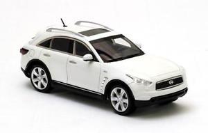 【送料無料】模型車 モデルカー スポーツカー インフィニティバージョンスケールモデルモデルネオパールinfinity fx50 version 2 2010 pearl 143 model neo scale models
