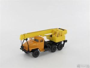 【送料無料】模型車 モデルカー スポーツカー クビカモデルウラルクレーントラックrkmodelle 303220 ural 375 kranwagen