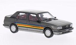 【送料無料】模型車 モデルカー スポーツカー アルファロメオターボデルタメタリックブラックモデル