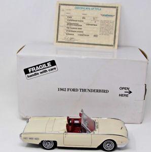 【送料無料】模型車 モデルカー スポーツカー ミントフォードサンダーバードスポーツロードスターボックスタイトルホワイトトップneues angebotdanbury mint 1962 ford thunderbird sports roadster w box amp; title wh