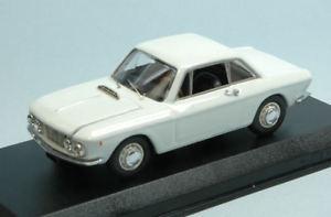 【送料無料】模型車 モデルカー スポーツカー ランチアクーペホワイトモデルモデルlancia fulvia coupe 12 1965 white 143 model best models