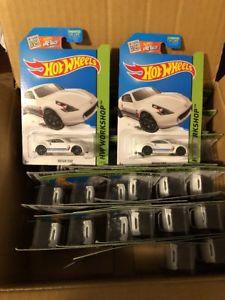 【送料無料】模型車 モデルカー スポーツカー ホットホイールロット2015 hot wheels nissan 370z lot of 34
