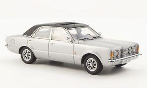【送料無料】模型車 モデルカー スポーツカー フォードドアシルバーネオford taunus gxl 4door silver 1973 neo 143 45132
