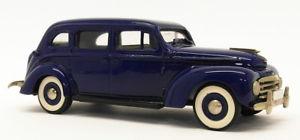 【送料無料】模型車 モデルカー スポーツカー ローブモデルスケールモデルカーボルボrobeddie models 143 scale model car re4 1950 volvo pv831 blue unboxed