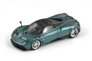 【送料無料】模型車 モデルカー スポーツカー グリーンスパークpagani huyara green metallic 2013 spark 143 s3563
