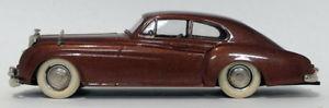 【送料無料】模型車 モデルカー スポーツカー グランプリモデルスケールベントレーコンチネンタルブラウンgrand prix models 143 scale 1010 unboxed 1952 bentley continental met brown