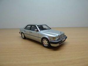 【送料無料】模型車 モデルカー スポーツカー メルセデスアルジェントmercedes e500 gris argent 143 w124 500e