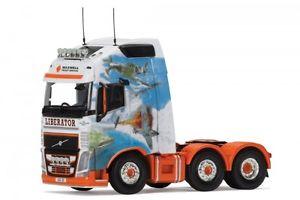 【送料無料】模型車 モデルカー スポーツカー ボルボトターマクスウェルvolvo fh tractor maxwell freight liberator zugmaschine