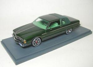 【送料無料】模型車 モデルカー スポーツカー ポンティアックボンネビルグリーンpontiac bonneville green